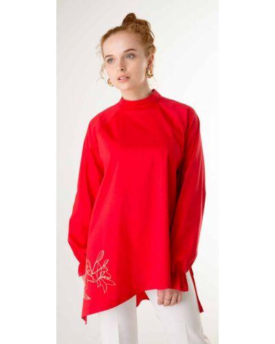Блузка с вышивкой - красная Innoe