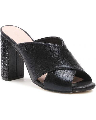 Czarne sandały Menbur