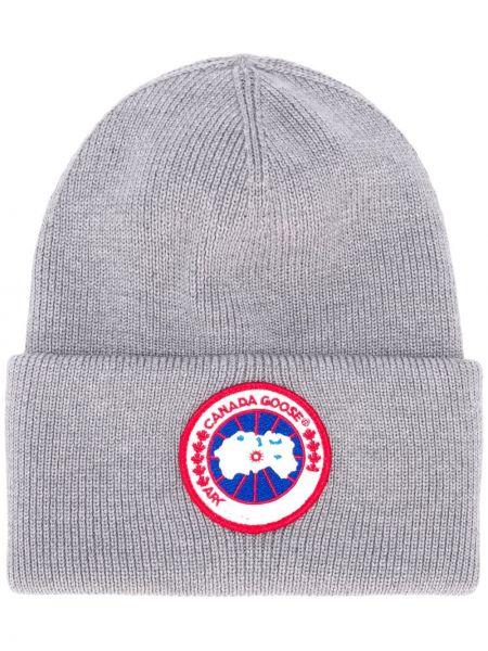 Серая трикотажная шапка бини с отворотом Canada Goose