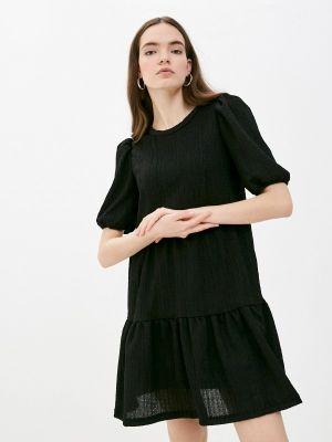 Прямое черное платье А-силуэта B.young