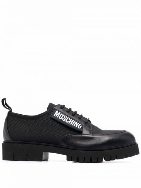 Czarne loafers Moschino