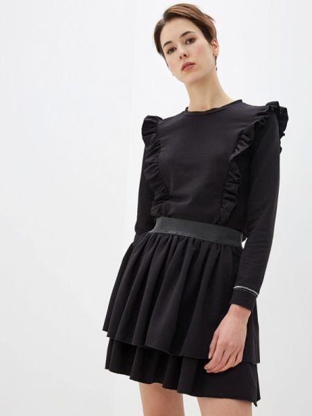 Юбочный костюм черный Numinou
