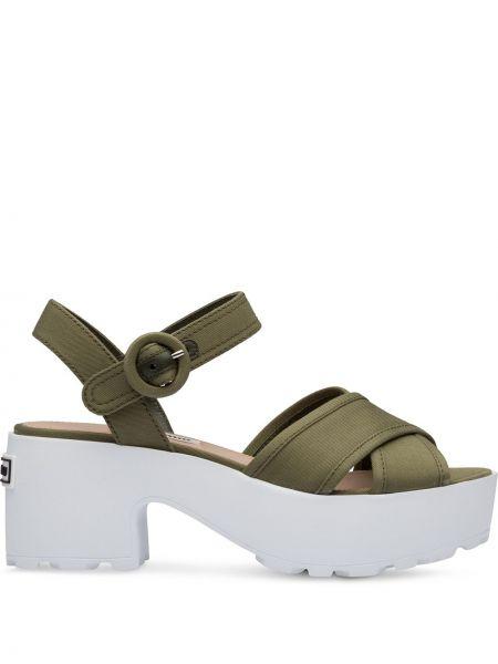 Biały z paskiem sandały z klamrą z prawdziwej skóry Miu Miu