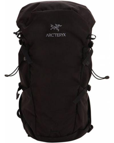 Czarny plecak klamry Arcteryx