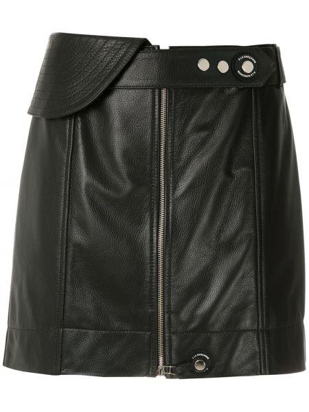 Прямая черная кожаная юбка мини À La Garçonne