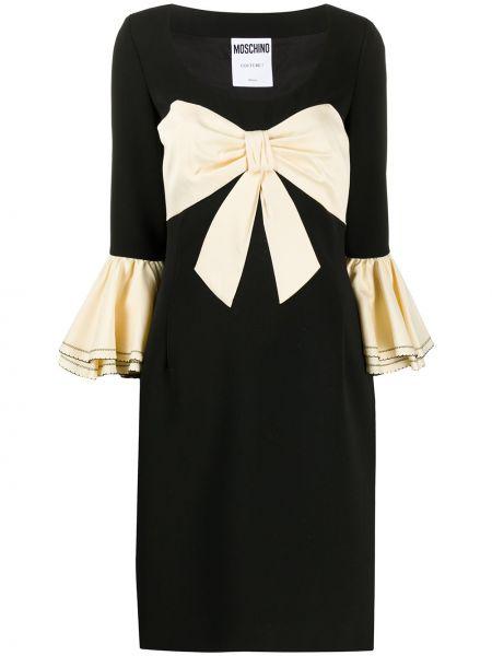 С рукавами шелковое черное платье макси Moschino