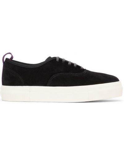 Skórzany czarny sneakersy na platformie Eytys