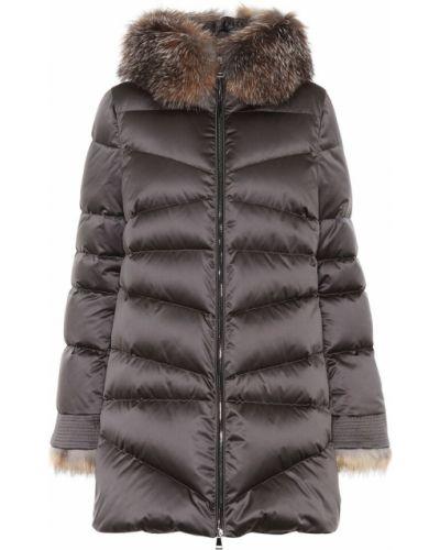 Утепленная куртка длинная с опушкой Moncler