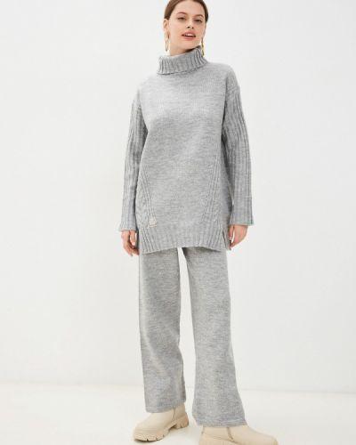 Вязаный костюм - серый Vladi Collection
