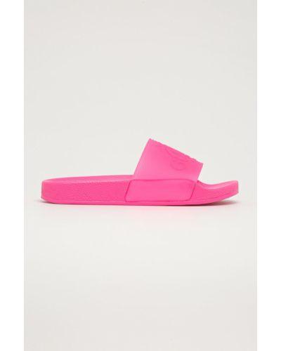 Różowe sandały na obcasie Guess