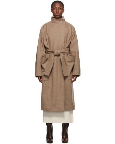 Beżowy wełniany długi płaszcz z kołnierzem z kieszeniami Lemaire