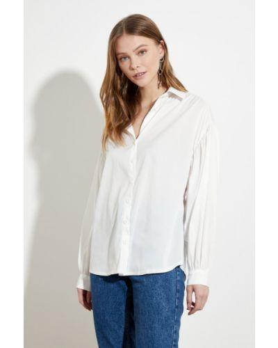 Biała koszula bawełniana z paskiem Trendyol