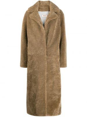 Коричневое длинное пальто из овчины с воротником Yves Salomon Meteo