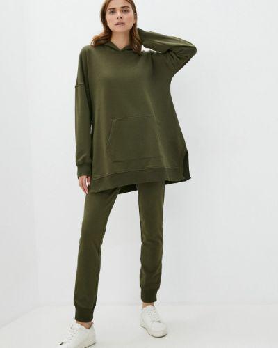 Костюмный зеленый спортивный костюм Sitlly
