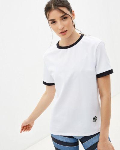 Белая спортивная футболка Emdi