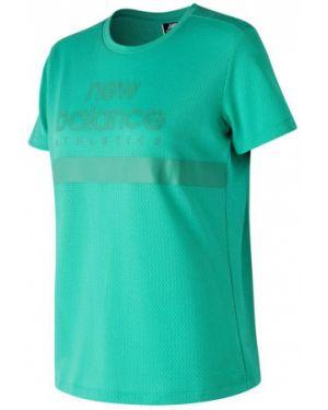 Зеленая футболка New Balance