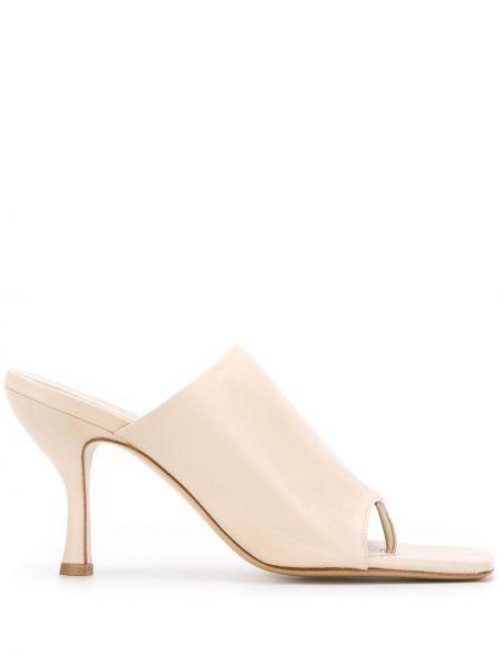 Мюли на каблуке - бежевые Gia Couture