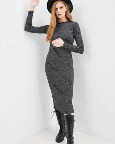 Серое вязаное платье Desigual