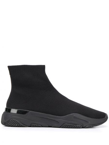 Черные слипоны Mallet Footwear
