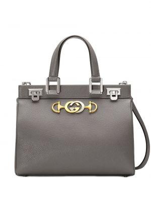 Серая сумка через плечо с перьями круглая на молнии Gucci