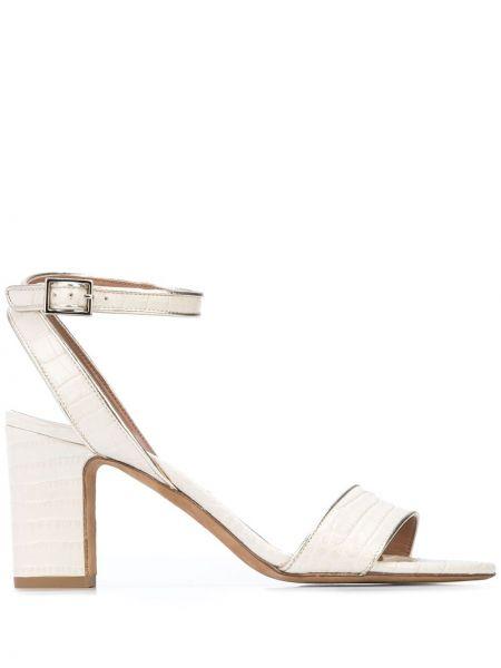 Białe sandały skorzane klamry Tabitha Simmons
