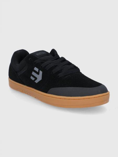 Замшевые кроссовки Etnies