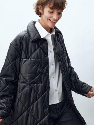 Черная демисезонная кожаная куртка Massimo Dutti