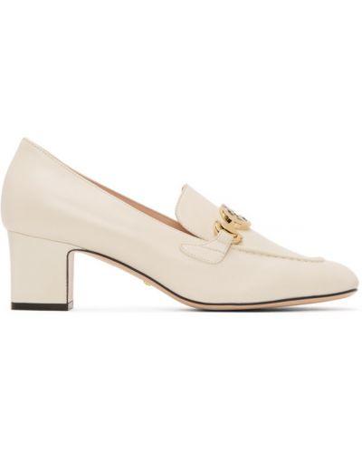 Кожаные белые лоферы на каблуке Gucci