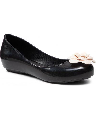 Czarne balerinki Zaxy