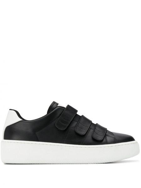Кроссовки черные с логотипом Maison Margiela