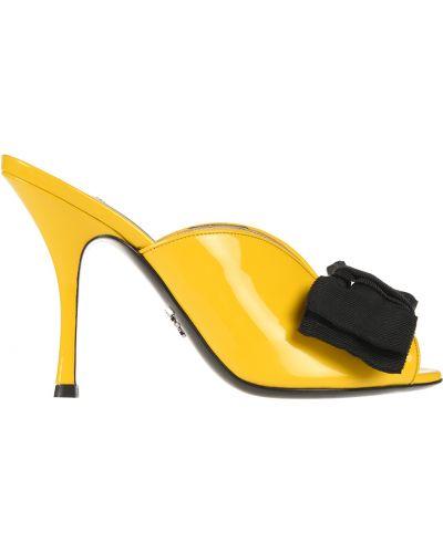 Мюли желтый на каблуке Prada