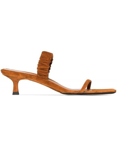 Brązowe sandały na obcasie skorzane Khaite