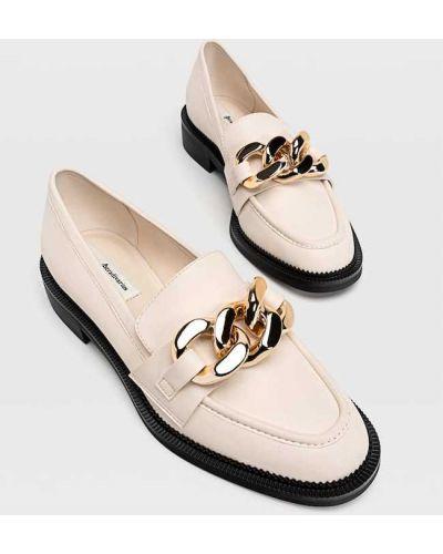 Бежевые туфли без каблука Stradivarius