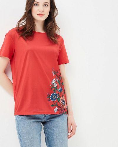 Красная футболка Incity
