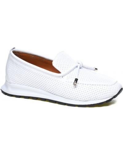 Кожаные слипоны - белые Veritas