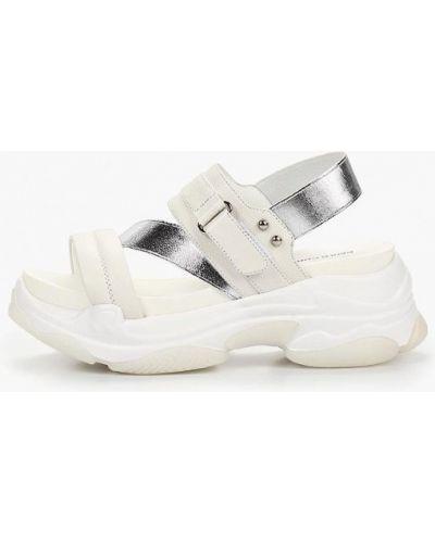 Босоножки белые на каблуке Paolo Conte