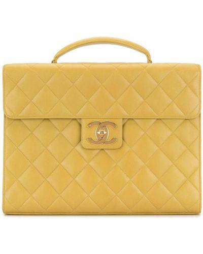 Żółty pikowana skórzany teczka z diamentem Chanel Pre-owned