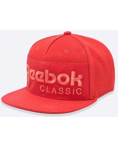 Красная шляпа Reebok