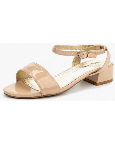 Босоножки на каблуке лаковые Betsy