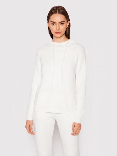 Biały sweter Deha