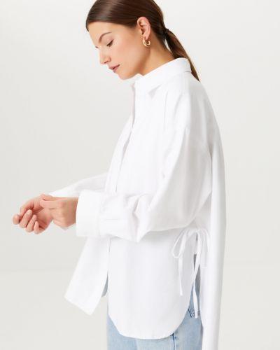 Белая блузка на пуговицах Sela