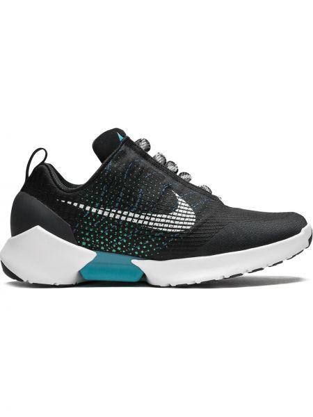 Деловые черные кроссовки из микрофибры на шнуровке Nike