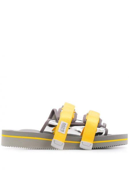 Желтые с ремешком сандалии на бретелях металлические Suicoke