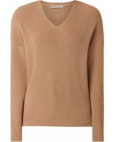 Brązowy sweter bawełniany z dekoltem w serek Drykorn