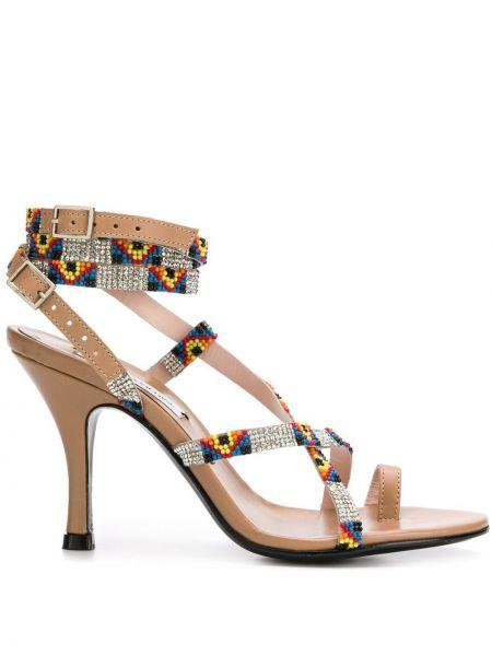 Кожаные бежевые босоножки на высоком каблуке на каблуке с пряжкой Leandra Medine
