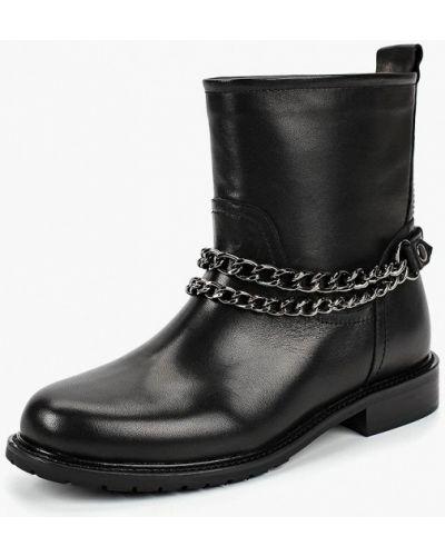 Черные полусапожки на каблуке Vitacci