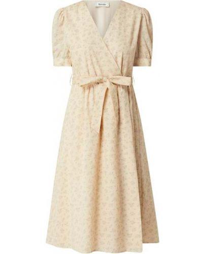 Sukienka rozkloszowana krótki rękaw - różowa Modström