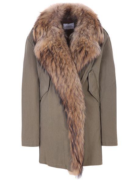 Парка из енота хаки с карманами с декоративной отделкой Forte Couture