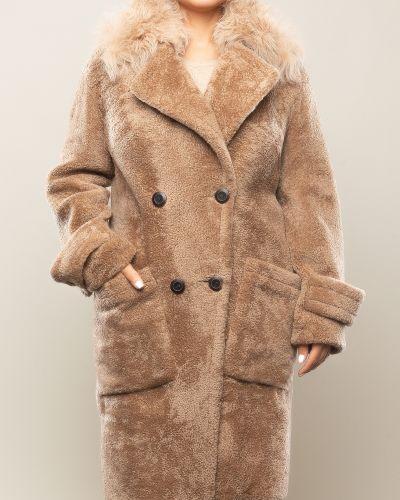 Бежевое пальто с воротником из овчины Aliance Fur