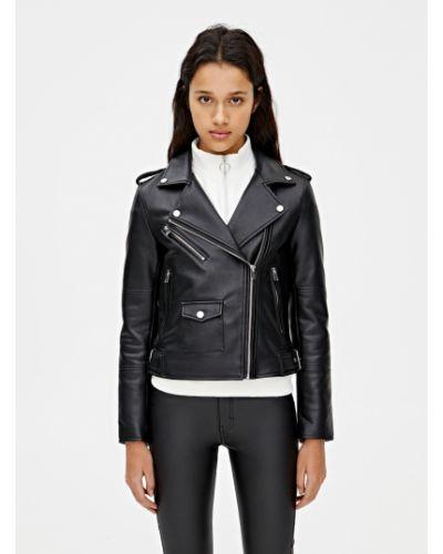 Черная кожаная куртка Pull & Bear